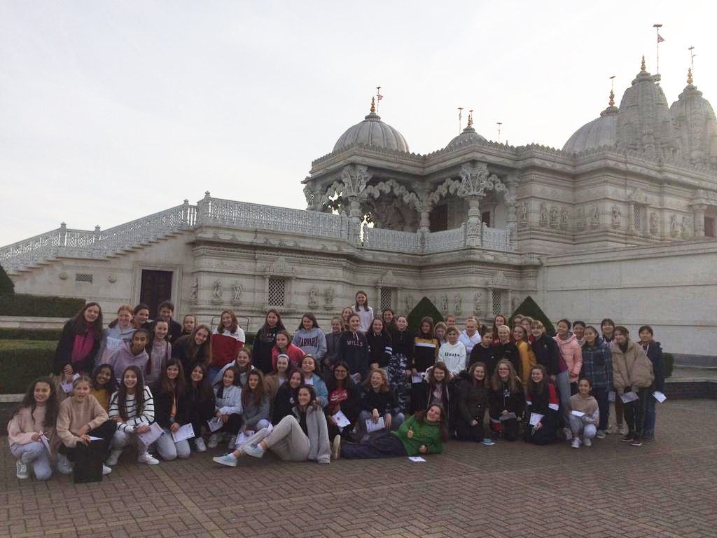 Burgess Hill Girls Visit To Neaden Hindu Temple