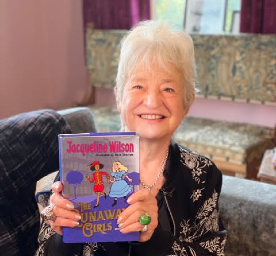 Jacqueline Wilson with The Runaway Girls